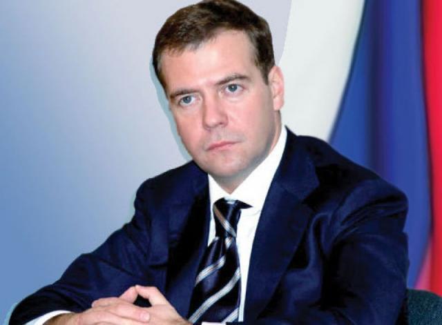 Медведев призвал готовиться к долгой жизни в условиях нехватки средств